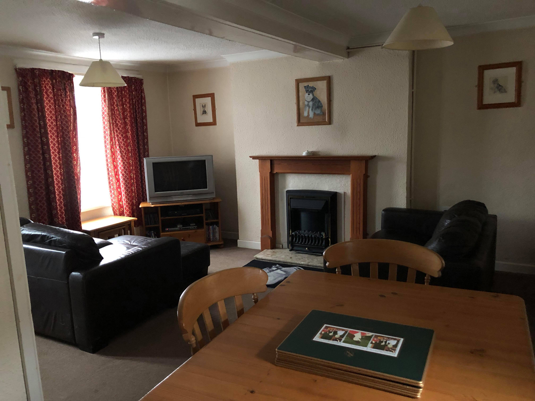 Accommodation-Living-Room-2